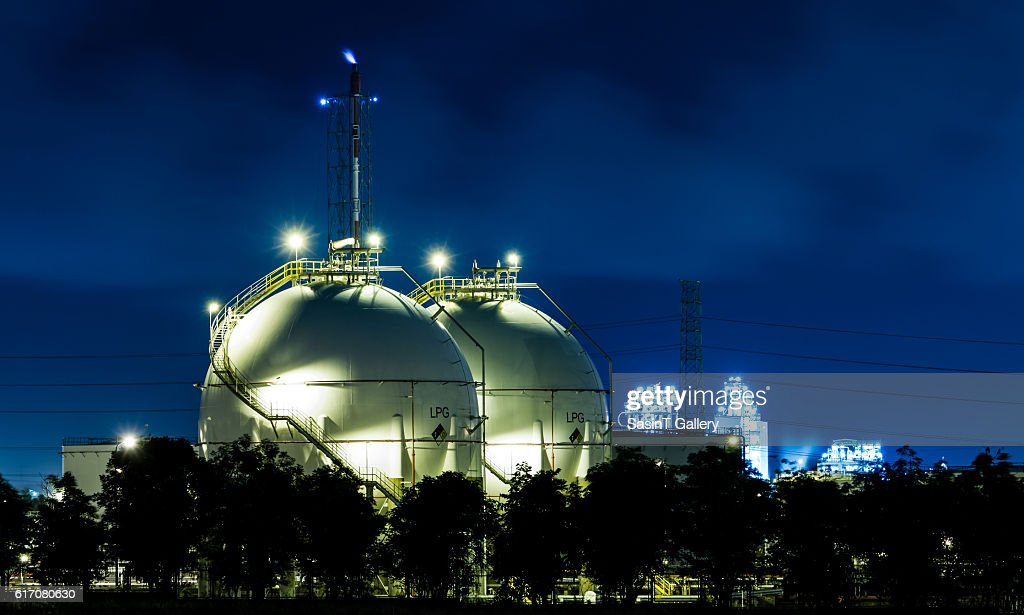 LPG gas industrial storage sphere tanks : Stock Photo