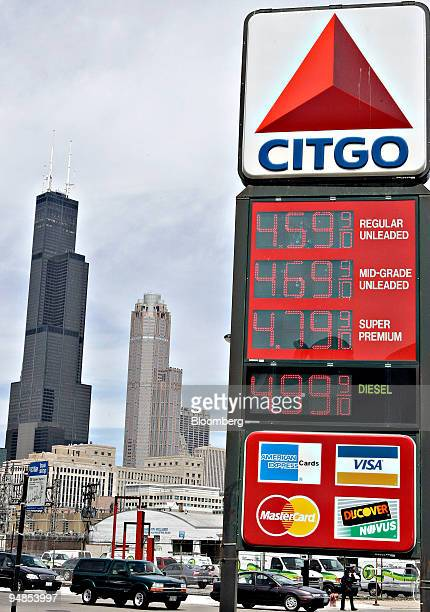 Gas prices are displayed at a gas station in Chicago Illinois US on Thursday May 22 2008 Crude oil fell more than $2 a barrel on signs that a 16...