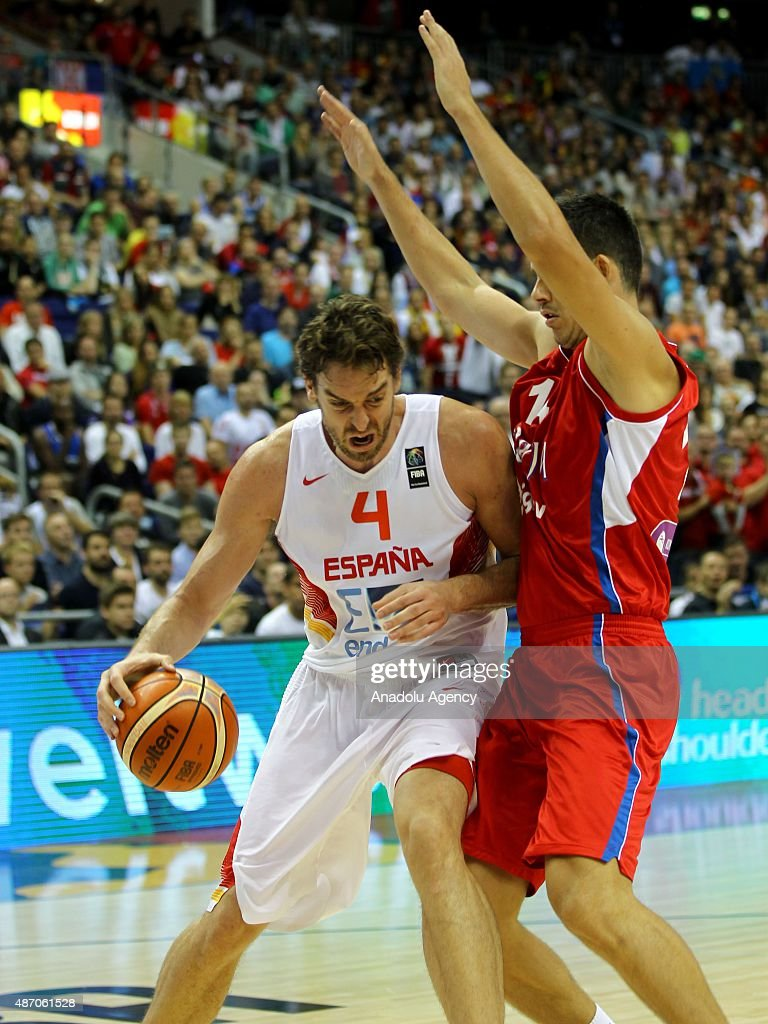 Gasol (4) of Spain is in action during the EuroBasket 2015 group B match between Spain and Serbia at Mercedes-Benz Arena in Berlin, Germany on September 5, 2015.