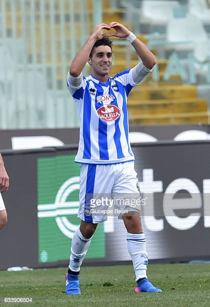 Gaston Brugman of Pescara Calcio celebrates after scoring the goal 22 during the Serie A match between Pescara Calcio and SS Lazio at Adriatico...
