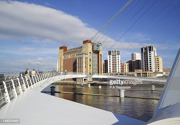 Gateshead Millennium Bridge and Baltic Mill Art Centre, Newcastle on Tyne, Tyne and Wear, England