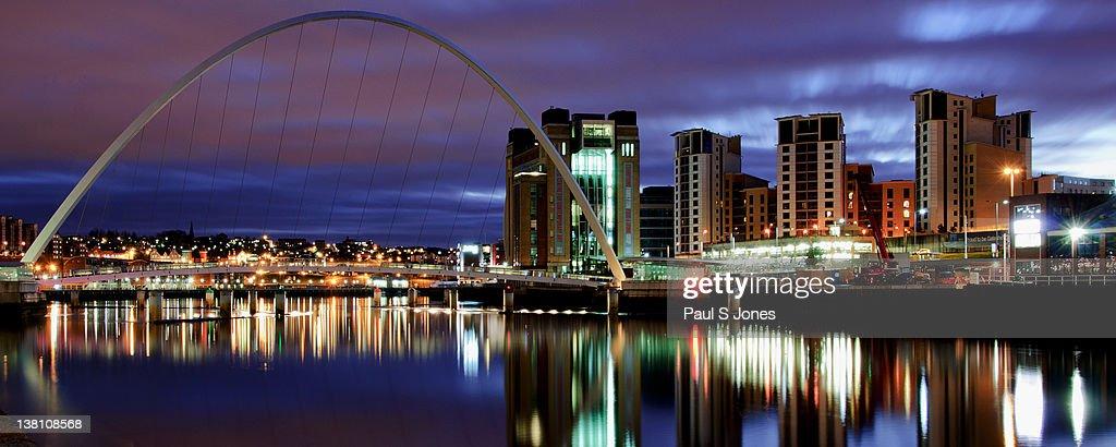 Gateshead Millennium Bridge : Stock Photo
