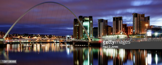 Gateshead Millennium Bridge : Stock Photo