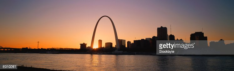 Gateway Arch and St. Louis at dawn