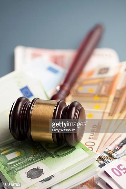 Gavel on euro notes