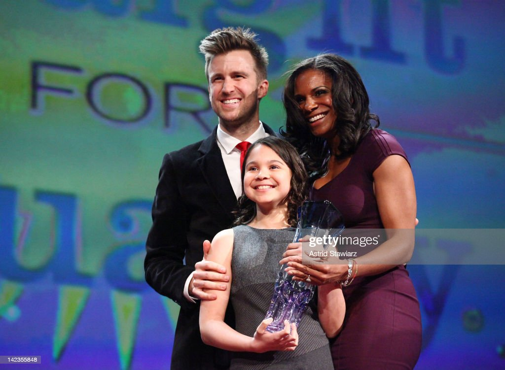 Gavin Creel, Zoe Madeline Donovan and <a gi-track='captionPersonalityLinkClicked' href=/galleries/search?phrase=Audra+McDonald&family=editorial&specificpeople=212782 ng-click='$event.stopPropagation()'>Audra McDonald</a> attend PFLAG National's 2012 Straight for Equality Awards gala at the Marriott Marquis Times Square on April 2, 2012 in New York City.