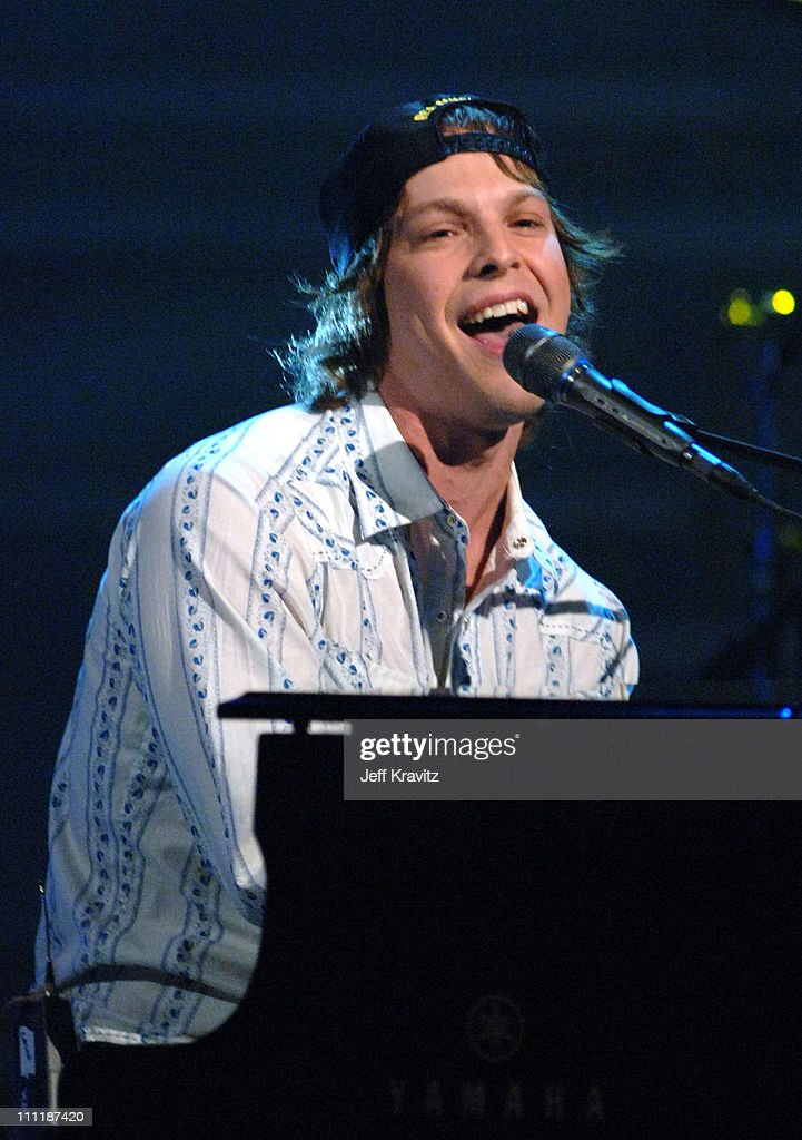 <a gi-track='captionPersonalityLinkClicked' href=/galleries/search?phrase=Gavin+DeGraw&family=editorial&specificpeople=203282 ng-click='$event.stopPropagation()'>Gavin DeGraw</a> during 'America's Top 40 Live' with Ryan Seacrest at CBS Studios Stage 46 in Los Angeles, California, United States.