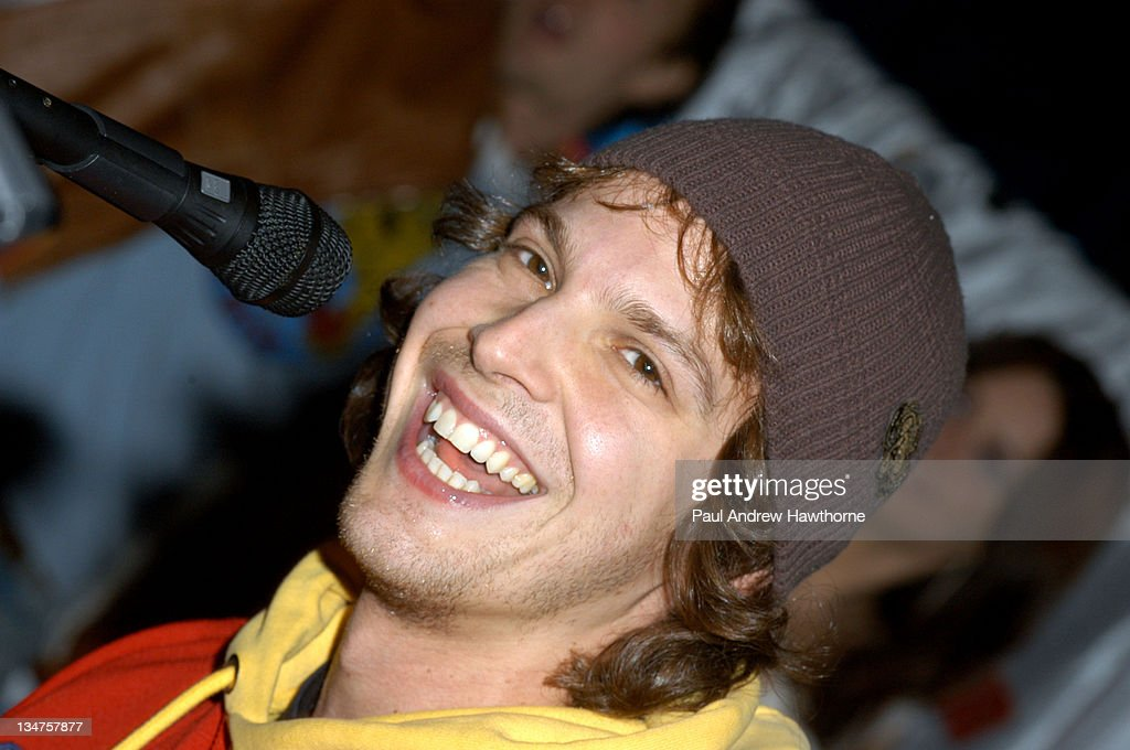 """Gavin Degraw and Cast Members of """"One Tree Hill"""" Apear at Planet Hollywood - New York"""