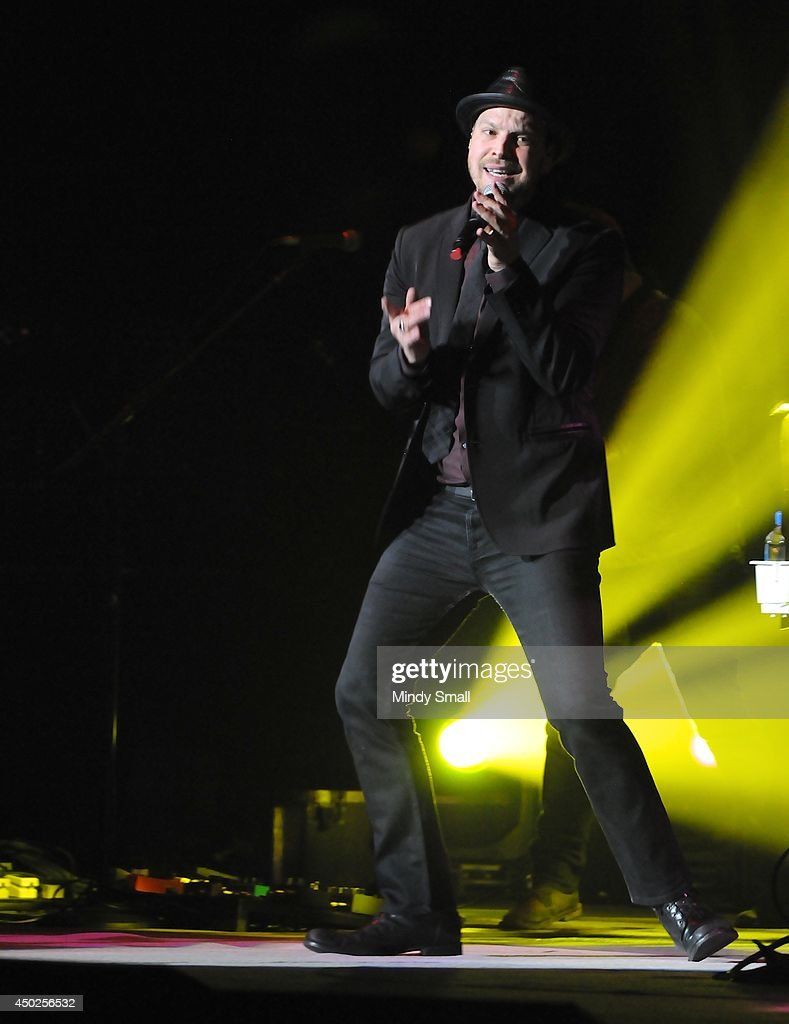 <a gi-track='captionPersonalityLinkClicked' href=/galleries/search?phrase=Gavin+DeGraw&family=editorial&specificpeople=203282 ng-click='$event.stopPropagation()'>Gavin DeGraw</a> performs at MGM Grand Garden Arena on June 7, 2014 in Las Vegas, Nevada.