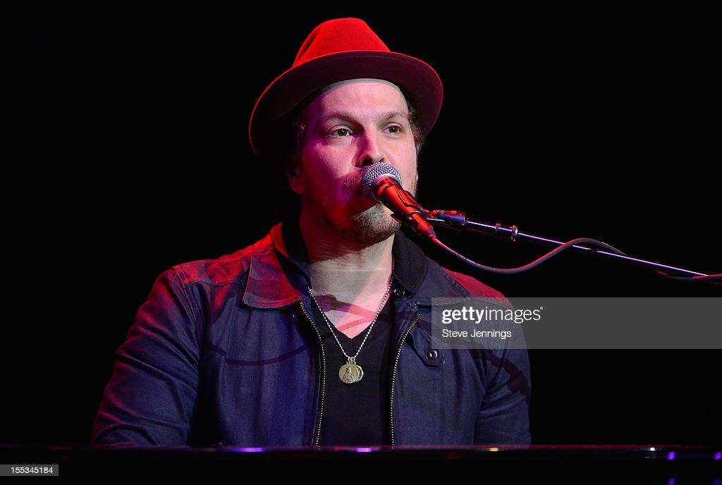 <a gi-track='captionPersonalityLinkClicked' href=/galleries/search?phrase=Gavin+DeGraw&family=editorial&specificpeople=203282 ng-click='$event.stopPropagation()'>Gavin DeGraw</a> performs at the Uptown Theatre at Live In The Vineyard on November 2, 2012 in Napa, California.