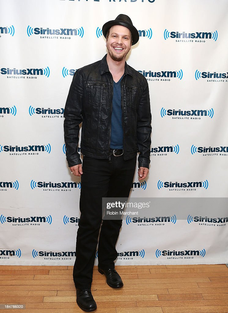 <a gi-track='captionPersonalityLinkClicked' href=/galleries/search?phrase=Gavin+DeGraw&family=editorial&specificpeople=203282 ng-click='$event.stopPropagation()'>Gavin DeGraw</a> visits SiriusXM Studios on October 16, 2013 in New York City.