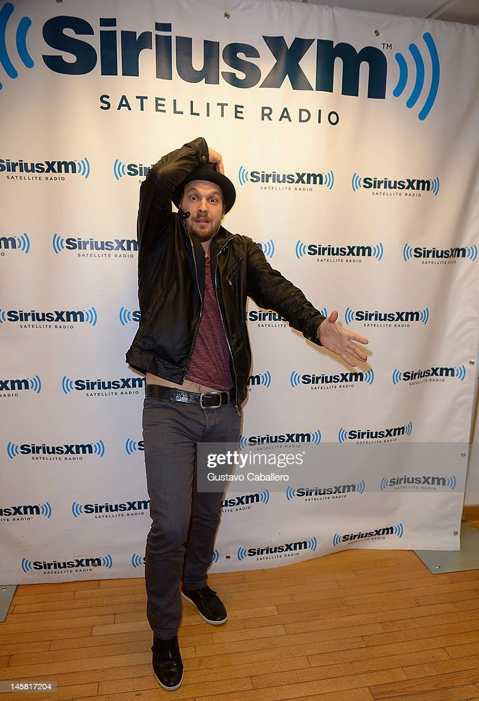 <a gi-track='captionPersonalityLinkClicked' href=/galleries/search?phrase=Gavin+DeGraw&family=editorial&specificpeople=203282 ng-click='$event.stopPropagation()'>Gavin DeGraw</a> visits the SiriusXM Studio on June 6, 2012 in New York City.