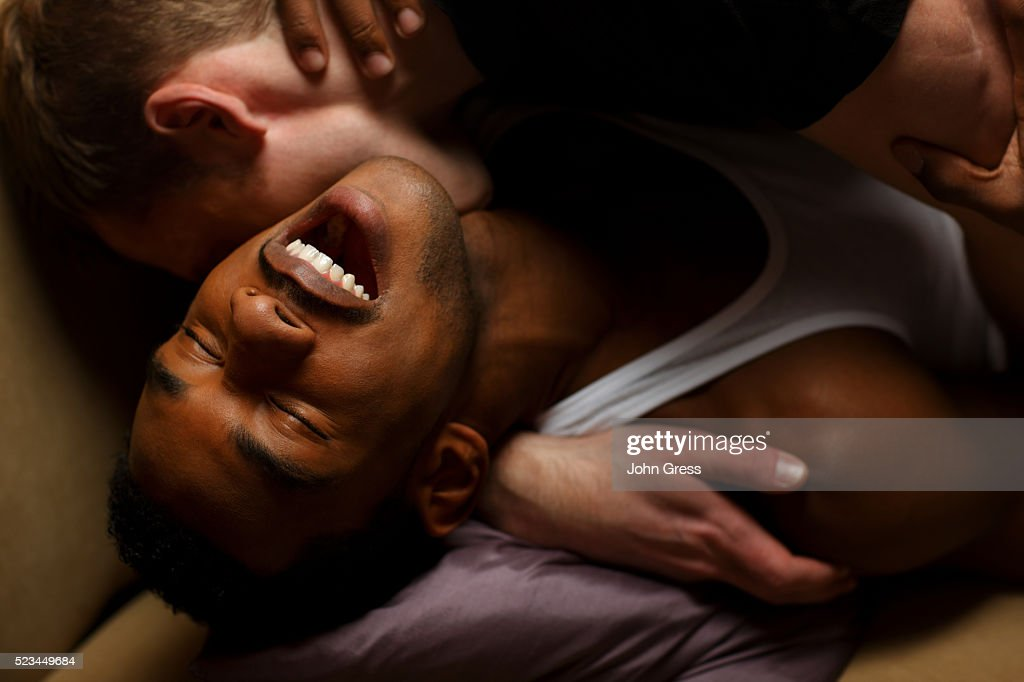 Gay Men Kissing Pic 75