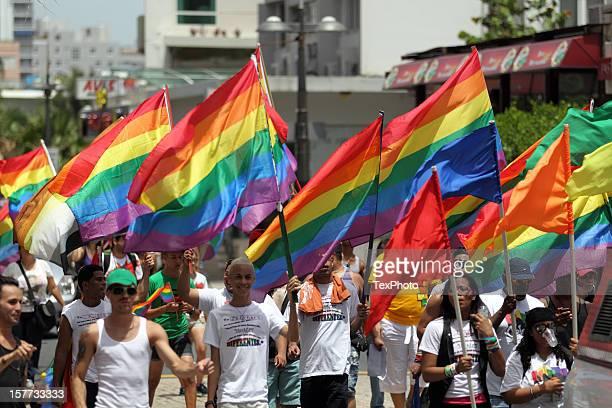 Gay-Pride-Parade-Flaggen