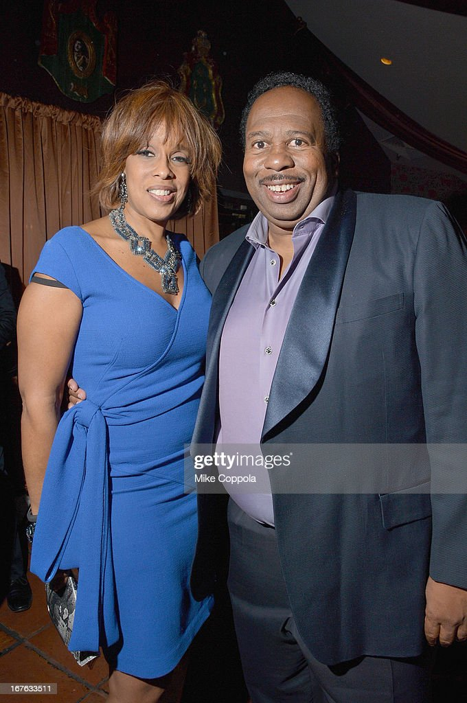 <a gi-track='captionPersonalityLinkClicked' href=/galleries/search?phrase=Gayle+King&family=editorial&specificpeople=215469 ng-click='$event.stopPropagation()'>Gayle King</a> (L) and <a gi-track='captionPersonalityLinkClicked' href=/galleries/search?phrase=Leslie+David+Baker&family=editorial&specificpeople=841061 ng-click='$event.stopPropagation()'>Leslie David Baker</a> attends the Celebrating The Arts In American Dinner Party With Distinguished Women In Media Presented By Landmark Technology Inc. And The Creative Coalition at Neyla on April 26, 2013 in Washington, DC.