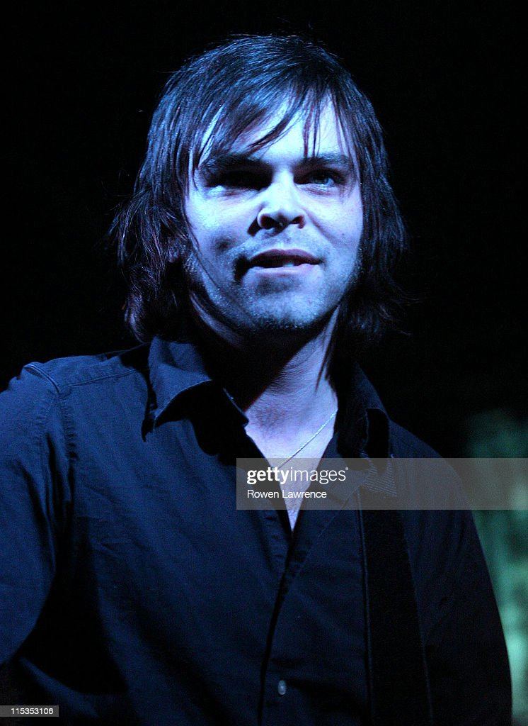 Supergrass Performs - May 5, 2004