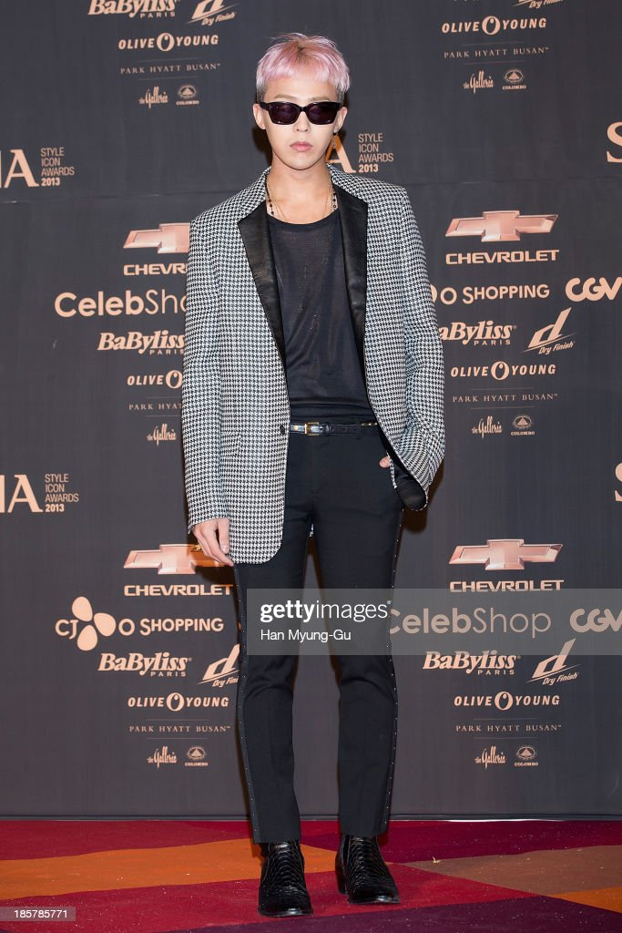 <a gi-track='captionPersonalityLinkClicked' href=/galleries/search?phrase=G-Dragon&family=editorial&specificpeople=7406528 ng-click='$event.stopPropagation()'>G-Dragon</a> of South Korean boy band Bigbang attends 2013 Style Icon Awards at CJ E&M Center on October 24, 2013 in Seoul, South Korea.