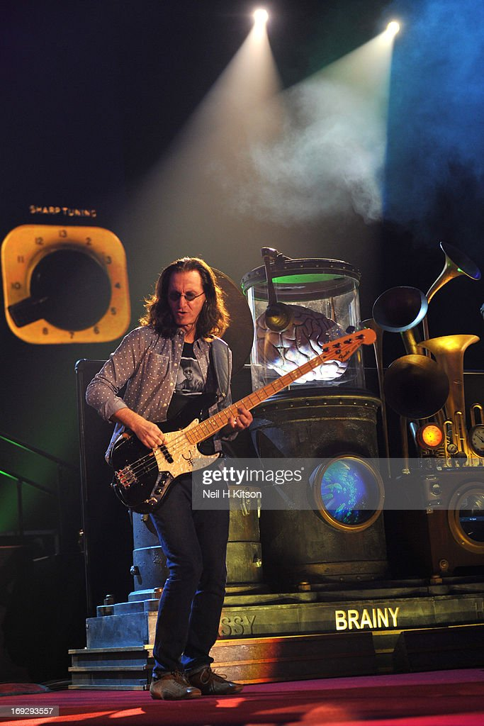 <a gi-track='captionPersonalityLinkClicked' href=/galleries/search?phrase=Geddy+Lee&family=editorial&specificpeople=212809 ng-click='$event.stopPropagation()'>Geddy Lee</a> of Rush performs on stage at Manchester Arena on May 22, 2013 in Manchester, England.