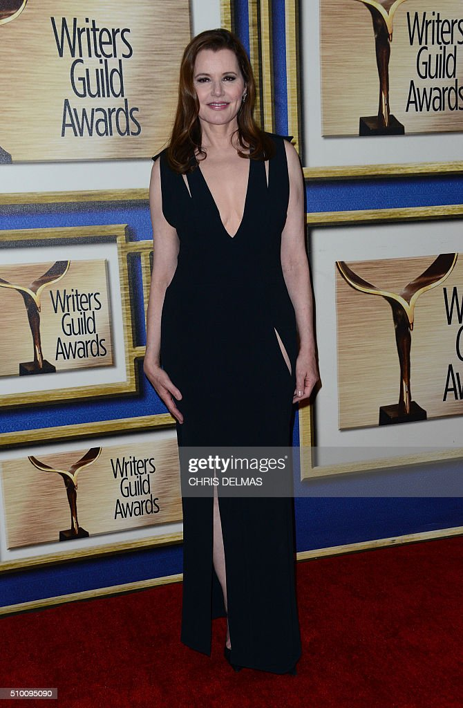 Geena Davis poses in the press room at the Writers Guild Awards, in Century City, California, February 13, 2016 / AFP / CHRIS DELMAS