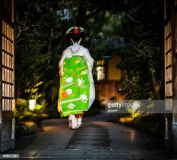 芸者祇園に京都日本