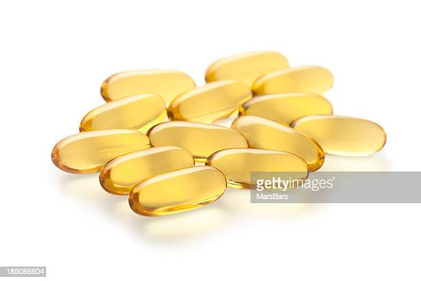 Gel compléments de vitamines sur blanc
