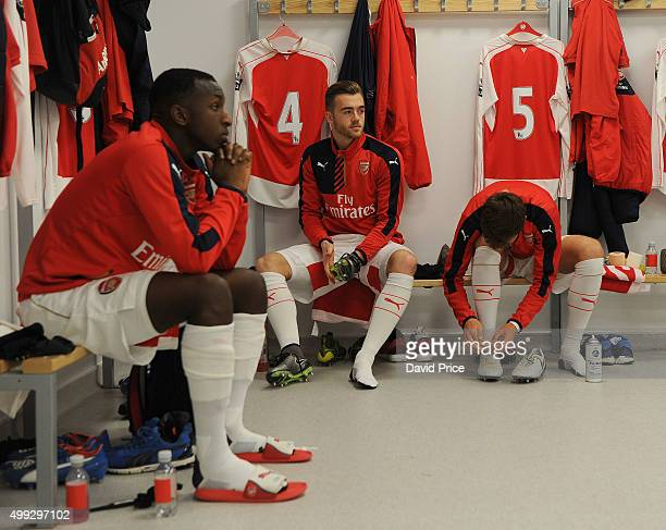 Geln Kamara Calum Chambers and Krystian Bielik of Arsenal in the changingroom before the match between Brighton and Hove Albion U21 and Arsenal U21...