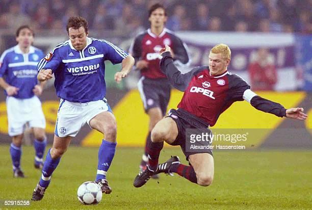 POKAL 01/02 Gelsenkirchen FC SCHALKE 04 FC BAYERN MUENCHEN 20 Marc WILMOTS/Schalke Stefan EFFENBERG/Bayern