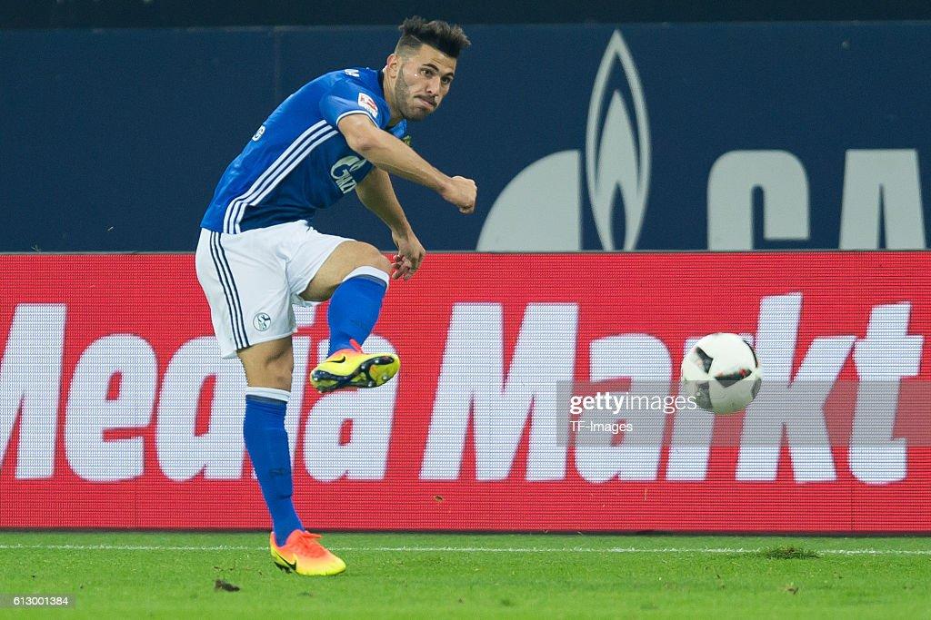 1.BL: FC Schalke 04 - Borussia Moenchengladbach : News Photo