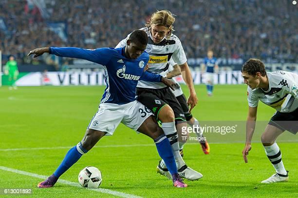 Gelsenkirchen Germany 1Bundesliga 6 Spieltag FC Schalke 04 Borussia Moenchengladbach 40 Breel Embolo gegen Jannik Vestergaard