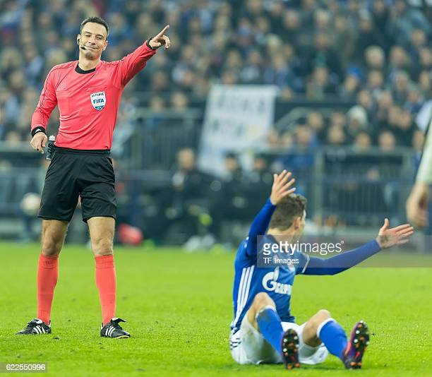 Gelsenkirchen Germany UEFA Europa League 2016/17 Season Gruppenphase 4 Spieltag Matchday 4 FC Schalke 04 FC Krasnodar Schiedsrichter Slavko Vincic...