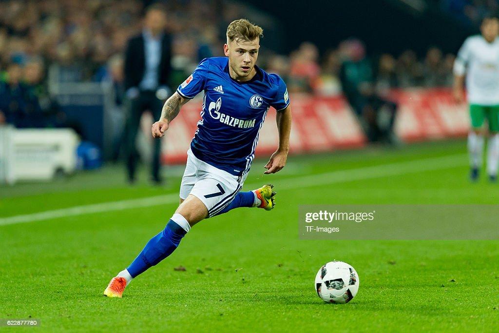 1.BL: FC Schalke 04 - SV Werder Bremen : News Photo