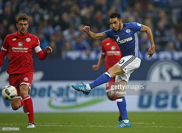 Gelsenkirchen Germany 1Bundesliga 8 Spieltag FC Schalke 04 1 FSV Mainz 05 Tor zum 10 vl Stefan Bell FSV Mainz gegen Torschuetze Nabil Bentaleb Schalke
