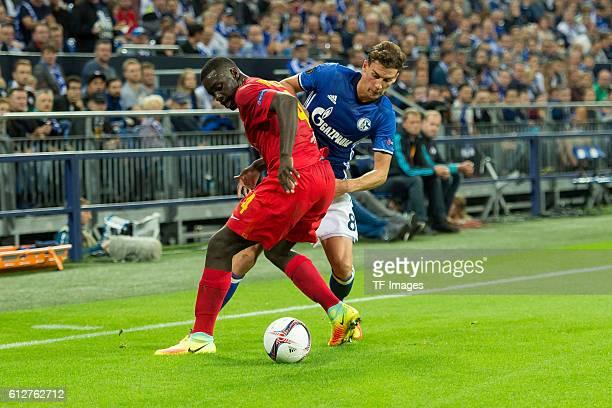 Gelsenkirchen Germany UEFA Europa League 2016/17 Season Gruppenphase 2 Spieltag Matchday 2 FC Schalke 04 FC Salzburg Dayot Upamecano gegen Leon...