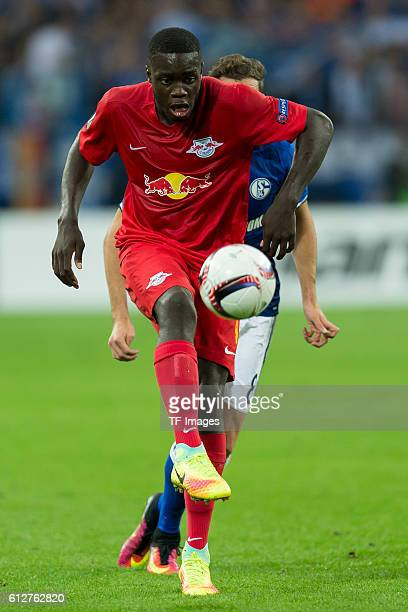 Gelsenkirchen Germany UEFA Europa League 2016/17 Season Gruppenphase 2 Spieltag Matchday 2 FC Schalke 04 FC Salzburg Dayot Upamecano