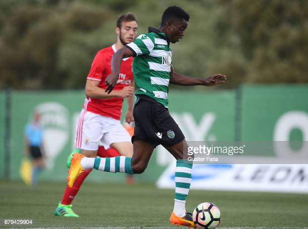Gelson Dala of Sporting CP B in action during the Segunda Liga match between Sporting CP B and SL Benfica B at CGD Stadium Aurelio Pereira on May 5...