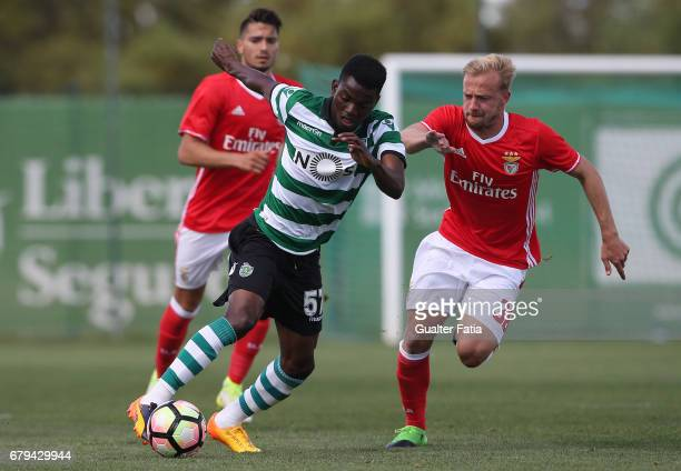 Gelson Dala of Sporting CP B with Hermes of SL Benfica B in action during the Segunda Liga match between Sporting CP B and SL Benfica B at CGD...