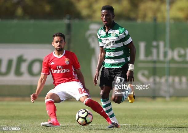 Gelson Dala of Sporting CP B with Luquinhas of SL Benfica B in action during the Segunda Liga match between Sporting CP B and SL Benfica B at CGD...