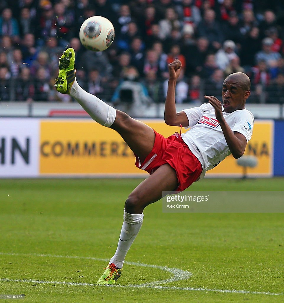 <a gi-track='captionPersonalityLinkClicked' href=/galleries/search?phrase=Gelson+Fernandes&family=editorial&specificpeople=2971817 ng-click='$event.stopPropagation()'>Gelson Fernandes</a> of Freiburg controles the ball during the Bundesliga match between Eintracht Frankfurt and SC Freiburg at Commerzbank Arena on March 16, 2014 in Frankfurt am Main, Germany.