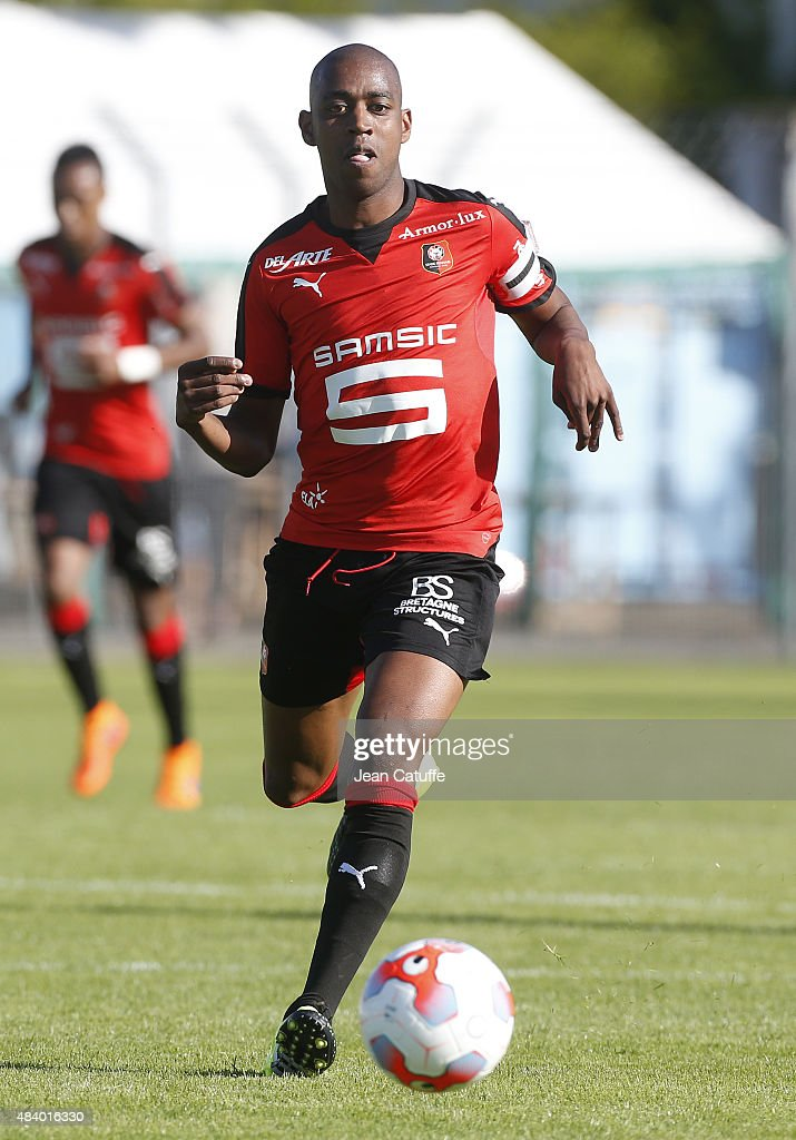 <a gi-track='captionPersonalityLinkClicked' href=/galleries/search?phrase=Gelson+Fernandes&family=editorial&specificpeople=2971817 ng-click='$event.stopPropagation()'>Gelson Fernandes</a> of Rennes in action during the friendly match between Stade Rennais (L1) and Stade Brestois (L2) at Stade Fred-Aubert on July 11, 2015 in Saint Brieuc, France.