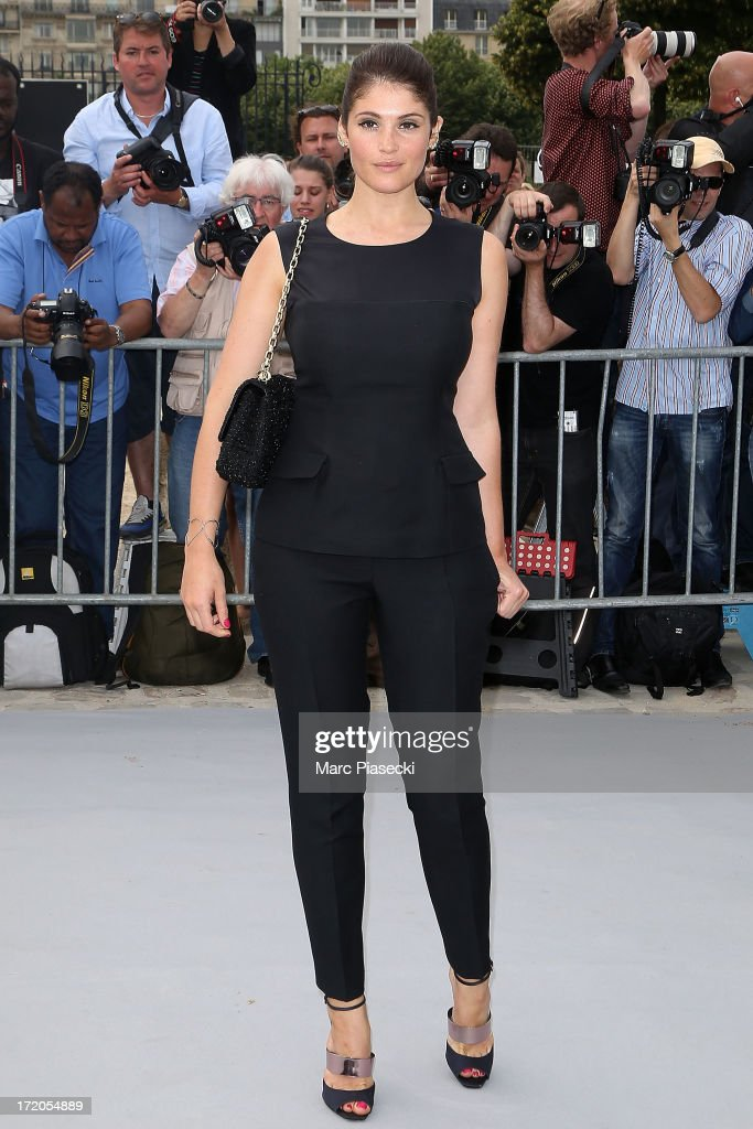 <a gi-track='captionPersonalityLinkClicked' href=/galleries/search?phrase=Gemma+Arterton&family=editorial&specificpeople=4296305 ng-click='$event.stopPropagation()'>Gemma Arterton</a> arrives to attend the Christian Dior show as part of Paris Fashion Week Haute Couture Fall/Winter 2013-2014 at on July 1, 2013 in Paris, France.