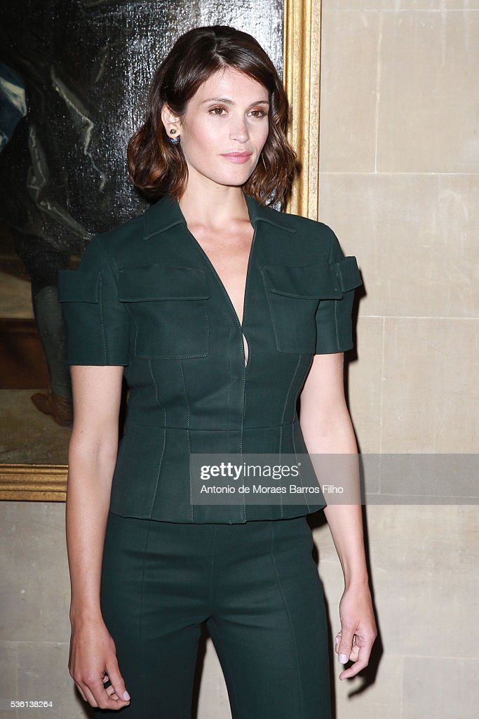 <a gi-track='captionPersonalityLinkClicked' href=/galleries/search?phrase=Gemma+Arterton&family=editorial&specificpeople=4296305 ng-click='$event.stopPropagation()'>Gemma Arterton</a> attends Christian Dior showcases its spring summer 2017 cruise collection at Blenheim Palace on May 31, 2016 in Woodstock, England.