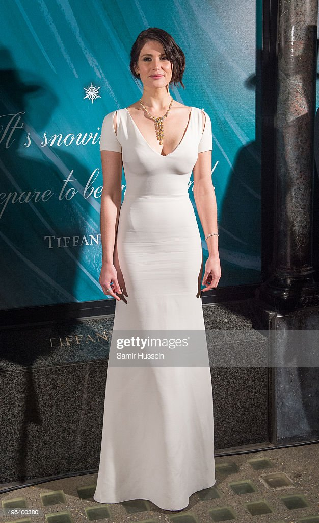 <a gi-track='captionPersonalityLinkClicked' href=/galleries/search?phrase=Gemma+Arterton&family=editorial&specificpeople=4296305 ng-click='$event.stopPropagation()'>Gemma Arterton</a> reveals the 2015 Tiffany & Co Christmas Window at Tiffany & Co on November 9, 2015 in London, England.
