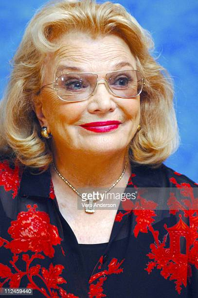 Gena Rowlands Stock Photos And Pictures Getty Images