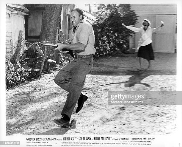 Gene Hackman with shotgun in a scene from the film 'Bonnie and Clyde' 1967