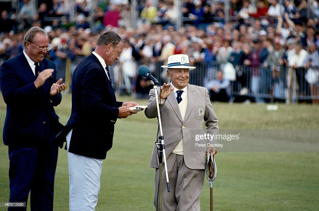 <a gi-track='captionPersonalityLinkClicked' href=/galleries/search?phrase=Gene+Sarazen&family=editorial&specificpeople=890883 ng-click='$event.stopPropagation()'>Gene Sarazen</a> of the USA receives a special presentation to commemorate his win in the Open Championship at Princes during the122nd Open Championship played at Royal St Georges Golf Club on July 18, 1993 in Sandwich, England.
