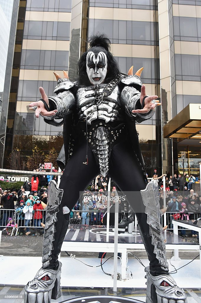 <a gi-track='captionPersonalityLinkClicked' href=/galleries/search?phrase=Gene+Simmons&family=editorial&specificpeople=138593 ng-click='$event.stopPropagation()'>Gene Simmons</a> of KISS performs during the 88th Annual Macy's Thanksgiving Day Parade on November 27, 2014 in New York City.