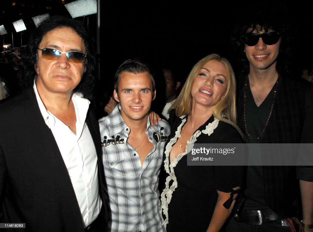 Gene Simmonsguest Shannon Tweed and Nick Simmons