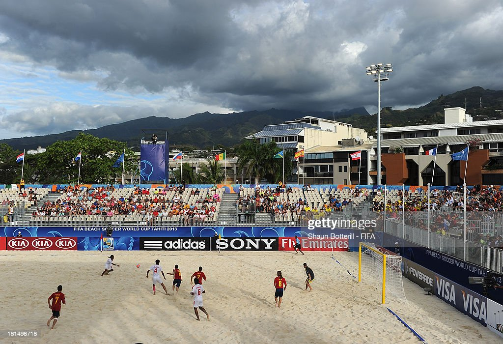 General action during the FIFA Beach Soccer World Cup Tahiti 2013 Group A match between United Arab Emirates and Spain at the Tahua To'ata stadium on September 21, 2013 in Papeete, French Polynesia.