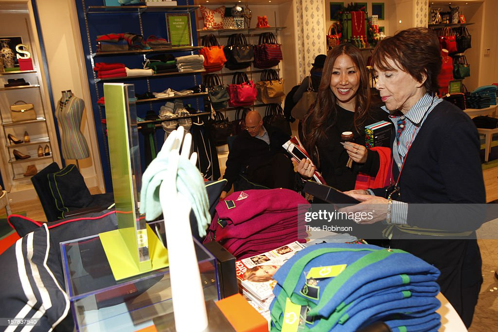General atmosphere at C. Wonder and People StyleWatch celebrate the holidays at C. Wonder on December 6, 2012 in New York City.