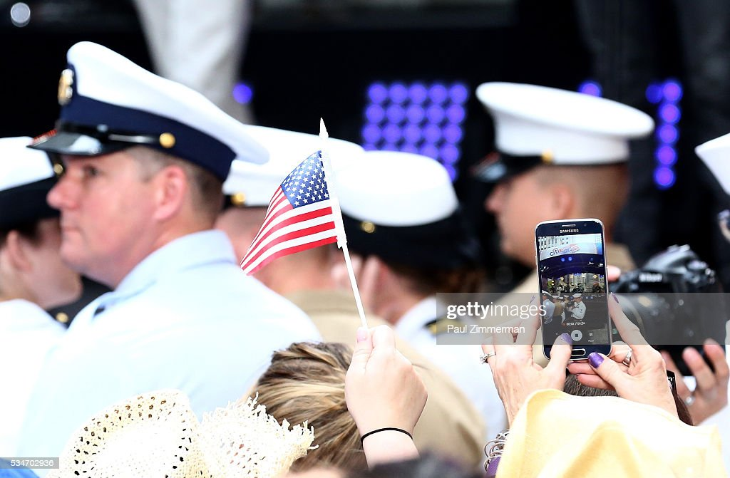 General atmosphere at the Dierks Bentley concert On NBC's 'Today' at Rockefeller Plaza on May 27, 2016 in New York City.